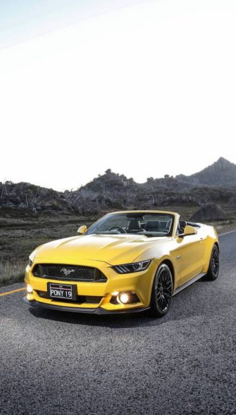 yellow ford mustang 2017