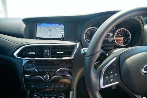 QX30 interior 2017
