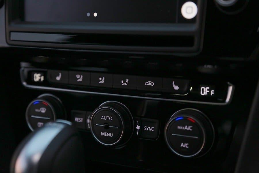 2017 Volkswagen Passat Climate Control