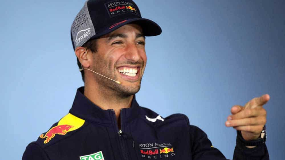 Frustration as Ricciardo punches out