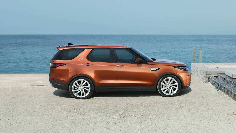 2019-land-rover-discovery-gallery-3
