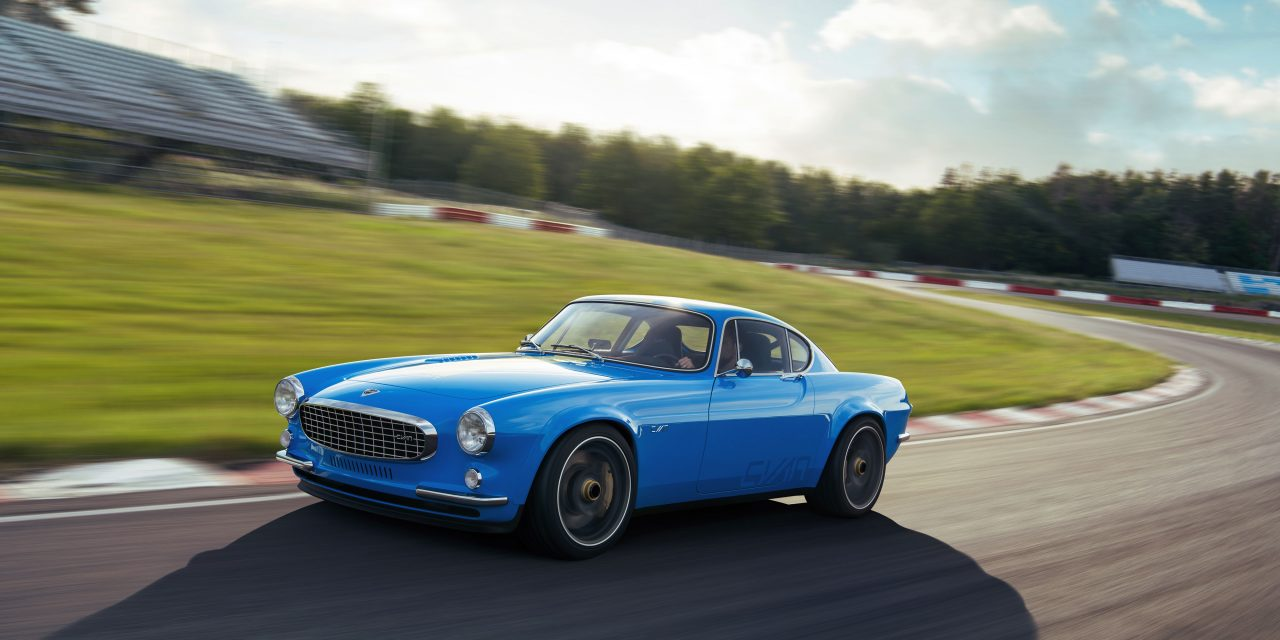 """We're in Love with This """"Volvo"""" P1800 Cyan"""