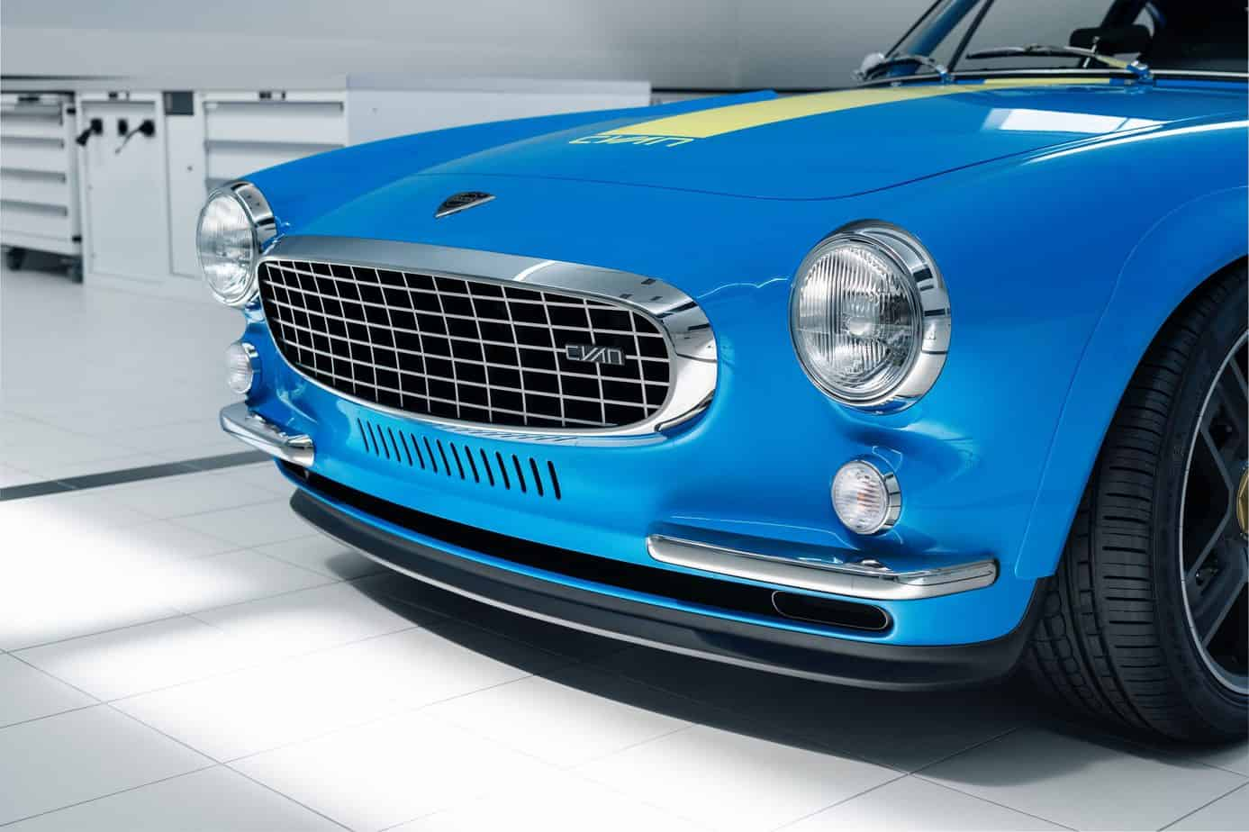 Volvo P1800 Cyan front view